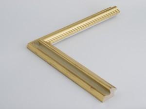 Profil 456 Ausführung 23 Karat Gold, rotes Poliment, Handgrund, Kehle farbig C01