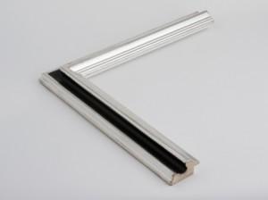 Profil 456 Ausführung Echtsilber, schwarzes Poliment, Handgrund, Kehle farbig C09