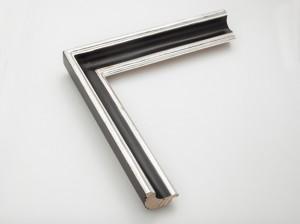 Profil 5043 Ausführung Echtsilber, schwarzes Poliment, Rücken und Kehle farbig C04